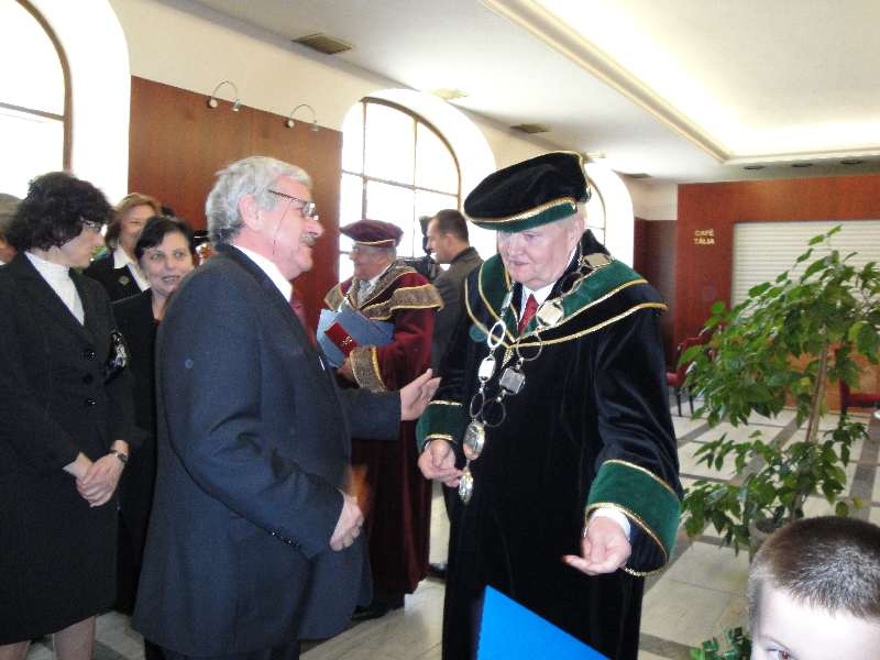 Dr.h.c prof. Čižmárik